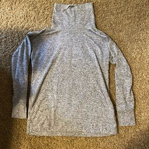 """Old Navy """"active"""" long sleeve pullover size S"""
